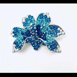 Turquoise brooch with crystals - new